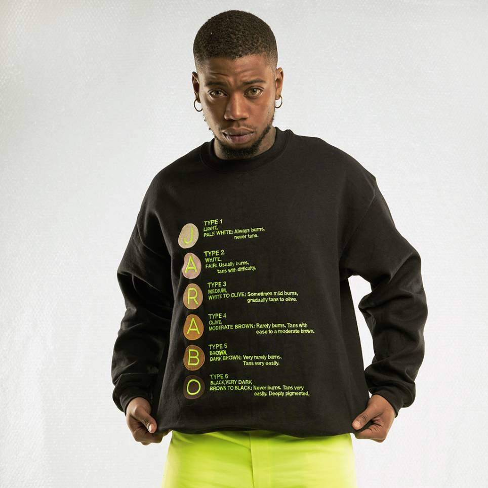 BLACK SWEATSHIRT SKIN TYPES